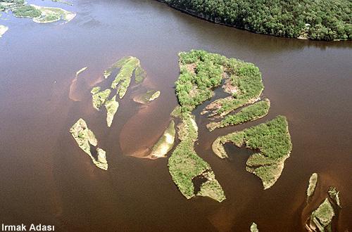 Irmak adası